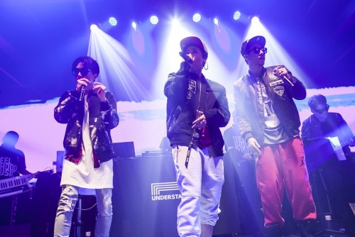 [news] MFBTY Sell Out First Concert; New Single Next Month and Solos 2016